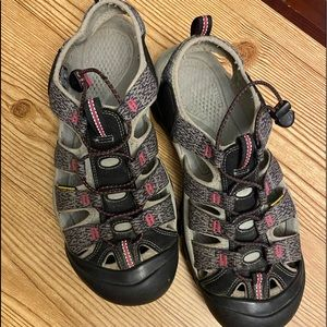 Keen Hiking Sandals Washable 11 Gray